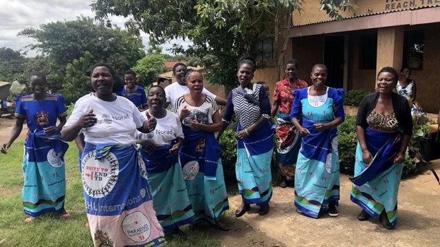 På lag med frivillige i Malawi